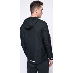 Nike - Kurtka. Czarne kurtki męskie Nike, m, z materiału, z kapturem. W wyprzedaży za 199,90 zł.