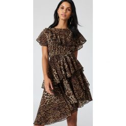 Sukienki: NA-KD Boho Asymetryczna sukienka z falbaną - Brown,Multicolor