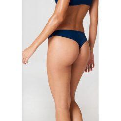 J&K Swim X NA-KD Gładki dół bikini - Blue. Zielone bikini marki J&K Swim x NA-KD. W wyprzedaży za 20,48 zł.