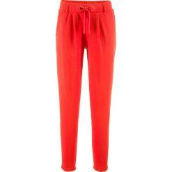 Spodnie dresowe damskie: Spodnie dresowe bonprix truskawkowy