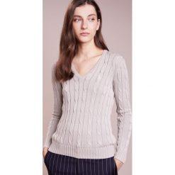 Polo Ralph Lauren KIMBERLY Sweter stone grey. Szare swetry klasyczne damskie Polo Ralph Lauren, l, z bawełny, polo. Za 589,00 zł.