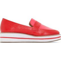 Mokasyny na koturnie, ozdobny pasek. Czerwone buty ślubne damskie La Redoute Collections, w paski, z materiału, z okrągłym noskiem, na koturnie. Za 141,08 zł.