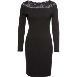 Sukienka bonprix czarny. Czarne sukienki koronkowe marki bonprix, w prążki, dopasowane. Za 49,99 zł.