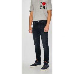 Review - Jeansy Simon. Niebieskie jeansy męskie regular Review. W wyprzedaży za 169,90 zł.