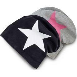 """Czapka """"Beanie"""" z dżerseju (2 szt.) bonprix czarno-biały + szaro-różowy Gwiazda. Zielone czapki zimowe damskie marki bonprix, w kropki, z kopertowym dekoltem, kopertowe. Za 45,98 zł."""
