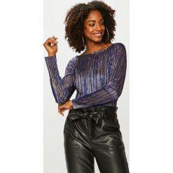 Answear - Bluzka. Czarne bluzki z odkrytymi ramionami marki ANSWEAR, uniwersalny, z dzianiny, casualowe, z okrągłym kołnierzem. Za 89,90 zł.