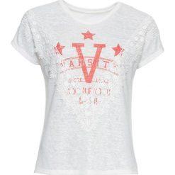 T-shirt z koronką bonprix biały z nadrukiem. Białe t-shirty damskie bonprix, w koronkowe wzory, z koronki. Za 27,99 zł.