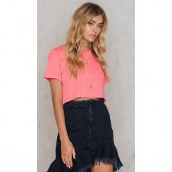 NA-KD Basic Krótki T-shirt Neon - Pink. Różowe t-shirty damskie marki NA-KD Basic, z bawełny. W wyprzedaży za 18,29 zł.