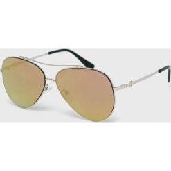 Guess Jeans - Okulary GF0301. Brązowe okulary przeciwsłoneczne męskie aviatory Guess Jeans, z jeansu. W wyprzedaży za 349,90 zł.