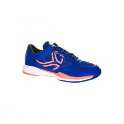Buty tenisowe TS560 męskie na twardą nawierzchnię. Niebieskie buty do tenisa męskie marki ARTENGO, z kauczuku. W wyprzedaży za 119,99 zł.