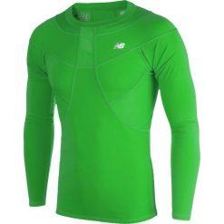 Koszulka kompresyjna - MT710136FN. Zielone koszulki do piłki nożnej męskie New Balance, na jesień, m, z materiału. W wyprzedaży za 149,99 zł.