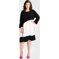 Sukienki hiszpanki: ADIA DRESS CAROLE BLOCK LONG SLEEVES  Sukienka z dżerseju off white/black