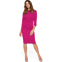 Klasyczna Różowa Dopasowana Sukienka Midi z Drapowaniem. Różowe sukienki balowe marki numoco, l, z dekoltem w łódkę, oversize. Za 209,90 zł.