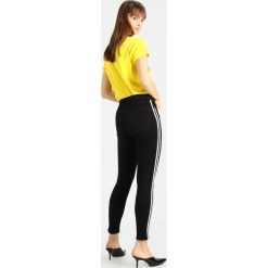 Topshop JAMIE SIDE STRIPE Jeans Skinny Fit black. Czarne rurki damskie Topshop. Za 269,00 zł.