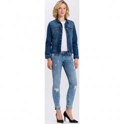 """Dżinsy """"Adriana"""" - Skinny fit - w kolorze błękitnym. Niebieskie rurki damskie marki Cross Jeans, z aplikacjami. W wyprzedaży za 136,95 zł."""