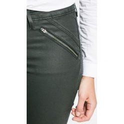 Wrangler - Jeansy Lust for Life. Czarne jeansy damskie Wrangler, z bawełny. W wyprzedaży za 359,90 zł.