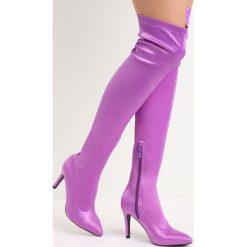 Fioletowe Kozaki Friendzone. Fioletowe buty zimowe damskie Born2be, z satyny, ze szpiczastym noskiem, na wysokim obcasie, na szpilce. Za 149,99 zł.
