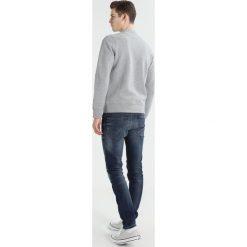 J.LINDEBERG RANDALL PATTERN Bluza rozpinana grey melange. Szare bluzy męskie rozpinane J.LINDEBERG, m, z bawełny. W wyprzedaży za 353,40 zł.