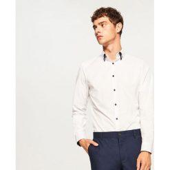 Koszula slim fit z mikroprintem - Biały. Niebieskie koszule męskie slim marki Reserved, l. Za 69,99 zł.