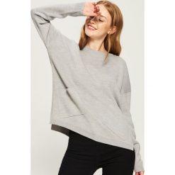 Sweter z kieszeniami - Jasny szar. Szare swetry klasyczne damskie marki Sinsay, l. Za 59,99 zł.