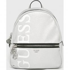 Guess Jeans - Plecak. Szare plecaki damskie Guess Jeans, z aplikacjami, z bawełny. Za 599,90 zł.