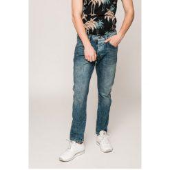 Wrangler - Jeansy Boyton. Szare jeansy męskie z dziurami Wrangler. W wyprzedaży za 199,90 zł.