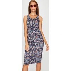 Answear - Sukienka. Szare sukienki dzianinowe marki ANSWEAR, na co dzień, l, casualowe, z okrągłym kołnierzem, na ramiączkach, mini, proste. Za 89,90 zł.