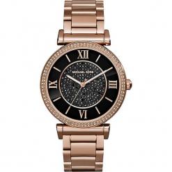 """Zegarek kwarcowy """"Catlin"""" w kolorze czarno-różowozłotym. Żółte, analogowe zegarki damskie marki Michael Kors, ze stali. W wyprzedaży za 627,95 zł."""