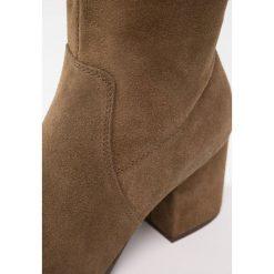 ALDO IBOEWET Muszkieterki khaki. Brązowe buty zimowe damskie ALDO, z materiału. W wyprzedaży za 475,30 zł.