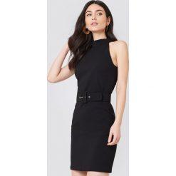 Sukienki hiszpanki: Trendyol Sukienka z paskiem w talii – Black