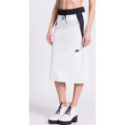 Nike Sportswear - Spódnica. Szare spódniczki dzianinowe Nike Sportswear, m, midi, dopasowane. W wyprzedaży za 179,90 zł.