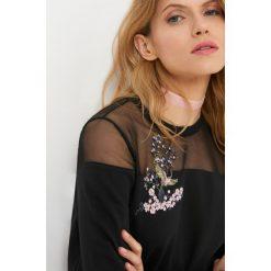 Bluzy rozpinane damskie: Bluza z siateczką i haftem