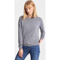 Ciemnoszary Sweter Tiny Stones. Zielone swetry klasyczne damskie marki other, l, prążkowane. Za 69,99 zł.