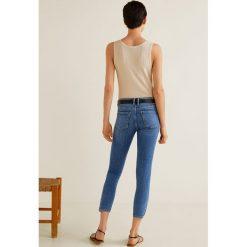 Mango - Jeansy Isa. Niebieskie jeansy damskie rurki Mango, z aplikacjami, z bawełny. Za 129,90 zł.