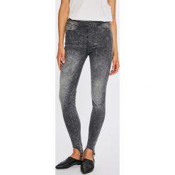 Guess Jeans - Jeansy Sceila. Szare jeansy damskie rurki marki Guess Jeans, z aplikacjami, z bawełny, z podwyższonym stanem. W wyprzedaży za 299,90 zł.