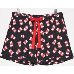 Piżamy damskie: Piżamowe szorty z nadrukiem – Biały