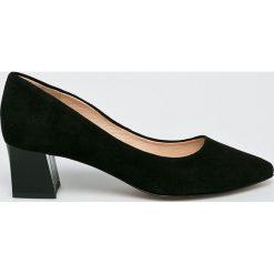Wojas - Czółenka. Szare buty ślubne damskie Wojas, z gumy, na obcasie. W wyprzedaży za 259,90 zł.