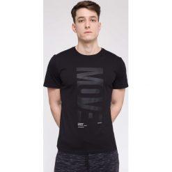 T-shirty męskie z nadrukiem: T-shirt męski TSM218 – głęboka czerń