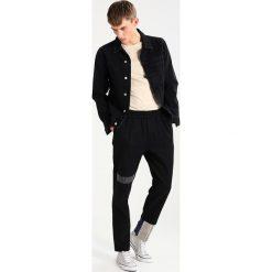 Chinosy męskie: Soulland IB Spodnie materiałowe multi