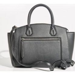 Torba City Bag - Czarny. Czarne torebki klasyczne damskie Sinsay. W wyprzedaży za 49,99 zł.