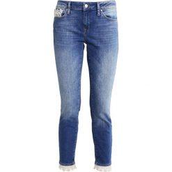 Mavi ADRIANA  Jeans Skinny Fit blue. Niebieskie rurki damskie Mavi. W wyprzedaży za 216,30 zł.