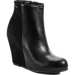 Botki MACCIONI - 763 Czarny. Czarne buty zimowe damskie Maccioni, z materiału. W wyprzedaży za 309,00 zł.