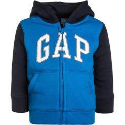 GAP TODDLER BOY LOGO  Bluza rozpinana oceanic blue. Niebieskie bluzy dziewczęce GAP, z bawełny. Za 129,00 zł.