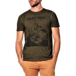 T-shirty męskie: T-shirt w kolorze khaki