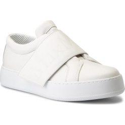 Sneakersy MAXMARA - MM85 45211789600  Latte 012. Białe sneakersy damskie MaxMara, z materiału. W wyprzedaży za 839,00 zł.