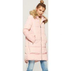 Płaszcz z kapturem - Różowy. Czerwone płaszcze damskie pastelowe Sinsay, l. Za 179,99 zł.