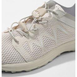 The North Face LITEWAVE FLOW  Obuwie hikingowe vintage. Białe buty sportowe damskie The North Face, z materiału, outdoorowe. Za 349,00 zł.