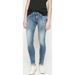 Pepe Jeans - Jeansy Lola. Niebieskie jeansy damskie rurki Pepe Jeans, z bawełny. W wyprzedaży za 239,90 zł.