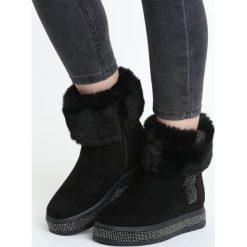Czarne Śniegowce Assumption. Czarne buty zimowe damskie marki TOMMY HILFIGER, z materiału. Za 129,99 zł.