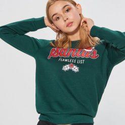 Świąteczna bluza - Khaki. Czerwone bluzy z kapturem damskie marki Cropp, l. Za 49,99 zł.